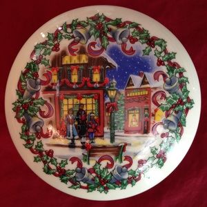 Heritage House Holiday - Vintage 1992 Heritage Christmas Music Box
